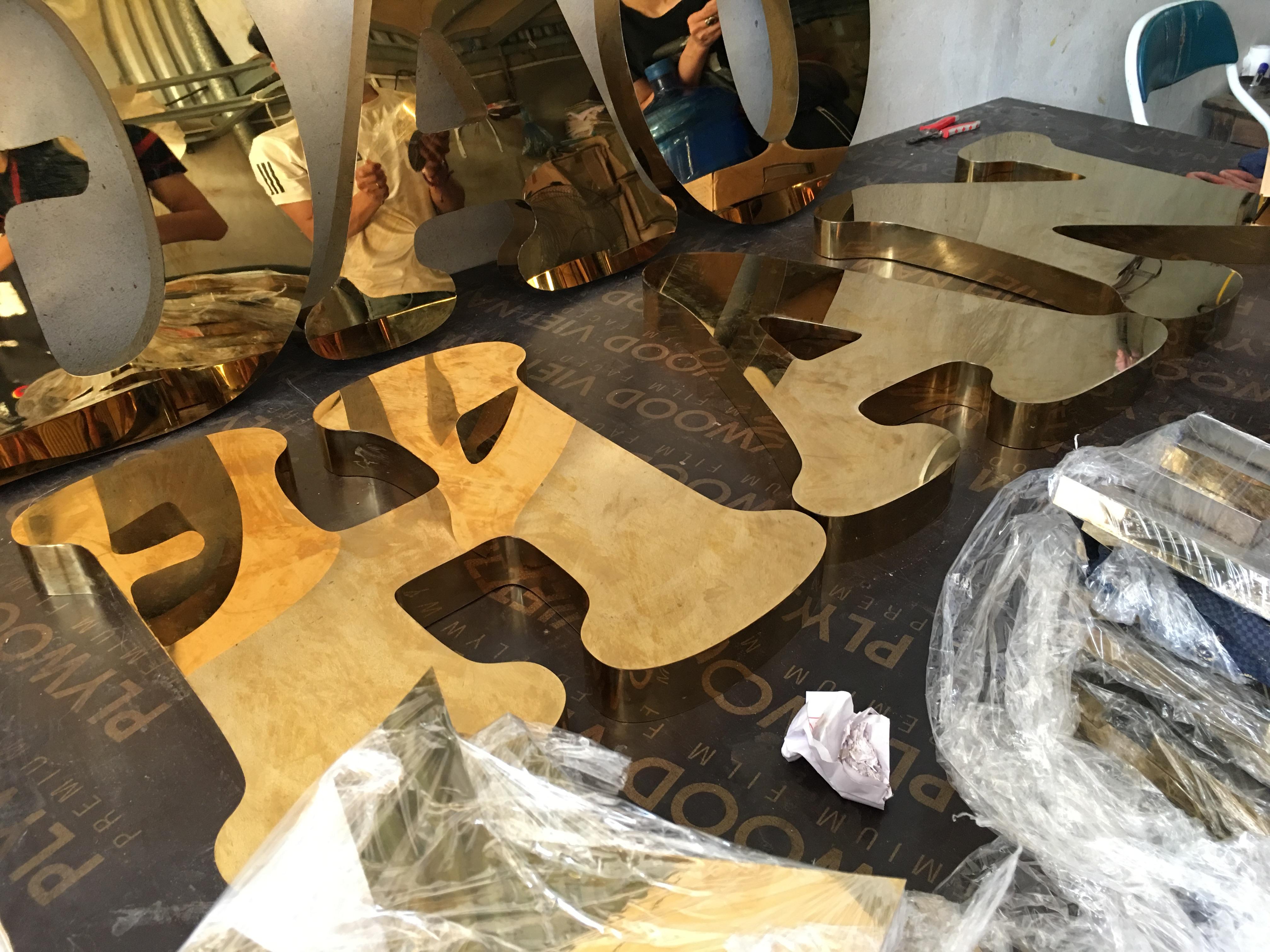 Chữ nổi inox 3D - Bảng giá gia công chữ nổi, chữ inox 3D mới nhất - Xưởng cắt chữ inox chuyên nghiệp